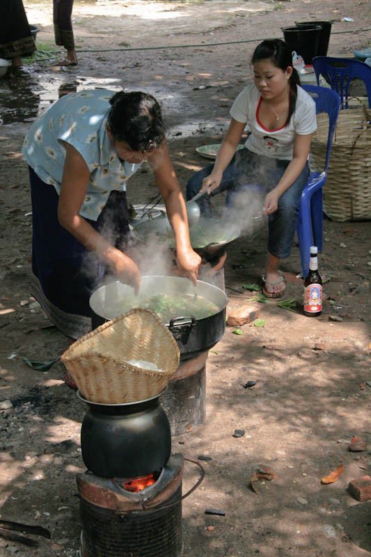 Steaming sticky rice for a celebration