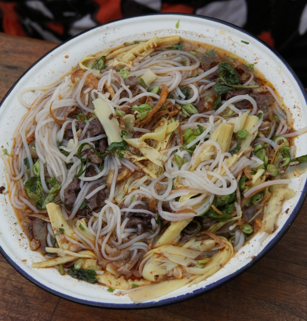 Northern-style khao poon