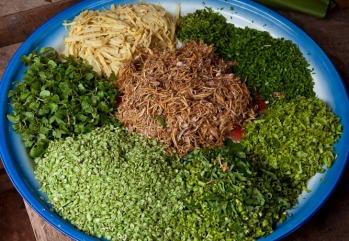 Recipes food from northern laos khao poon also spelt kao poon or kao pun is a noodle dish widely made and consumed throughout laos this khmu version with fermented soybean paste and forumfinder Image collections
