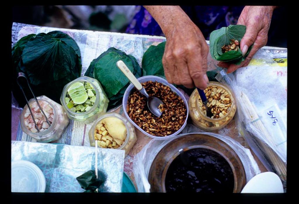 miang kham peanuts